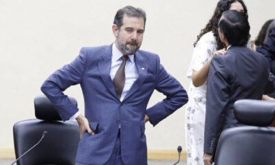 Córdova defiende decisión sobre 'mañaneras' recordando fraude de 2006