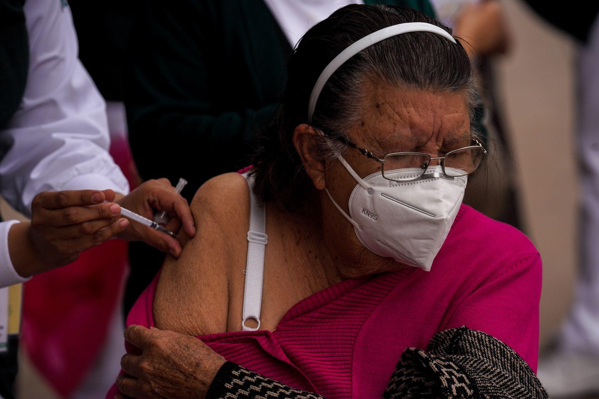 Salud reporta más de 23 mil vacunas aplicadas a adultos mayores