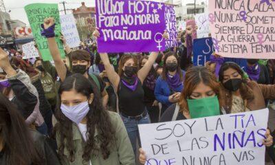 Mujeres protestan contra la violencia de género en al menos 7 estados de México