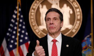 Legisladores piden renuncia de gobernador de NY por acusaciones de acoso
