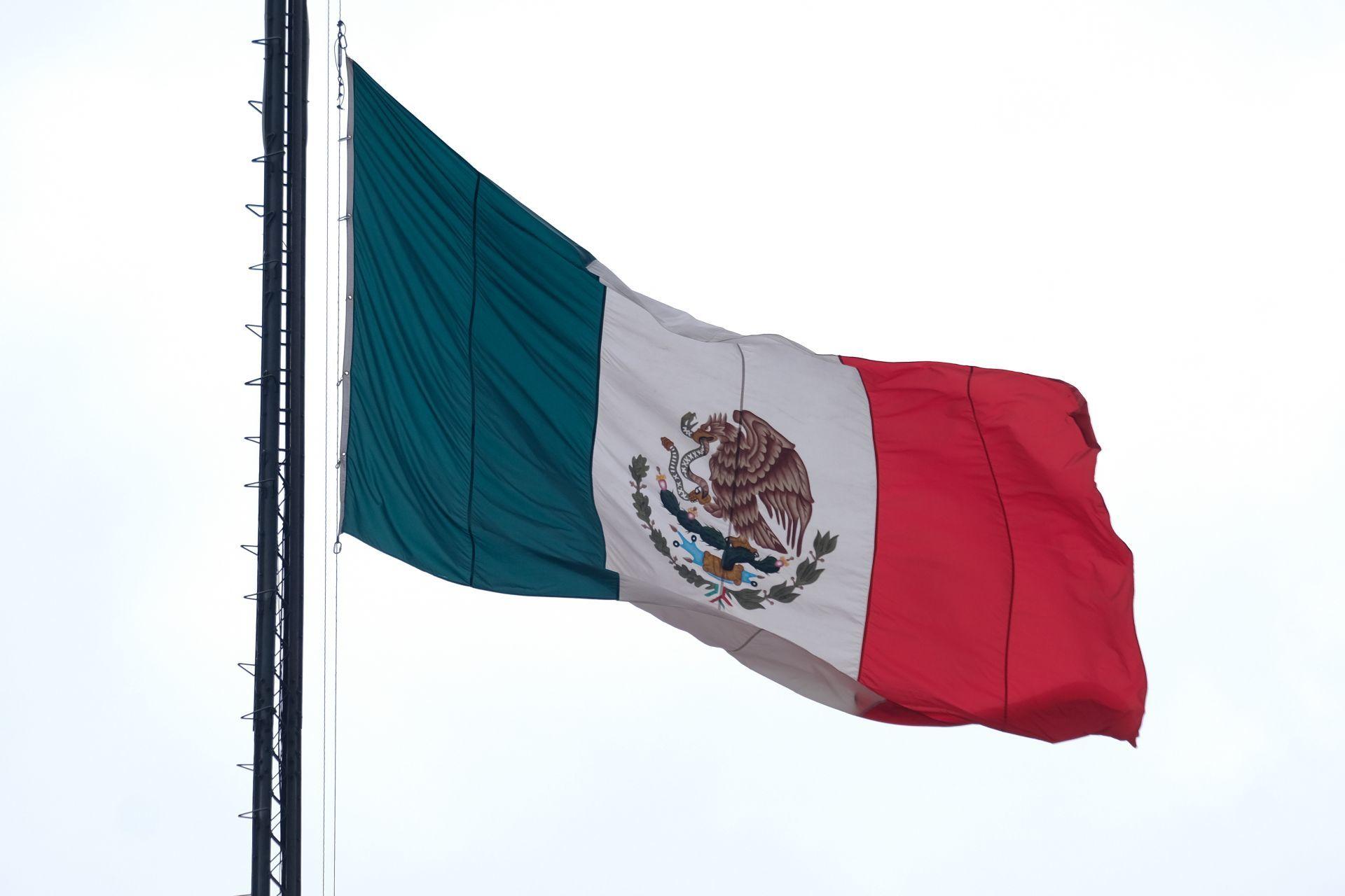 Deuda soberana de México es estable, señala agencia Fitch Ratings