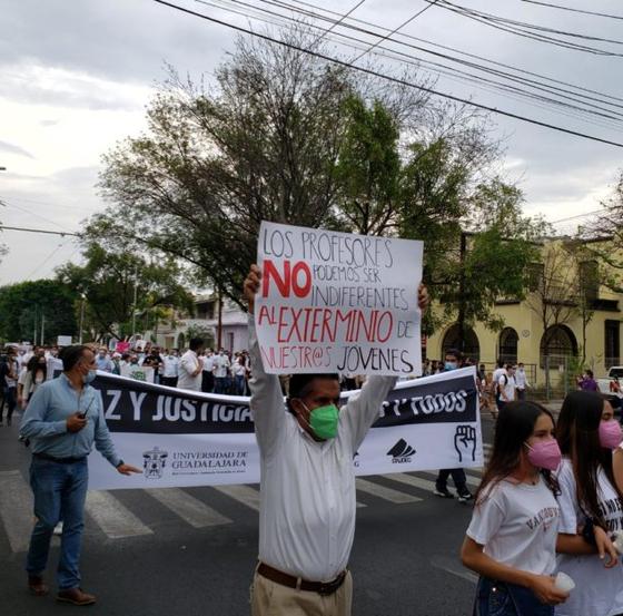 Marchan en Jalisco para exigir justicia por muerte de hermanos