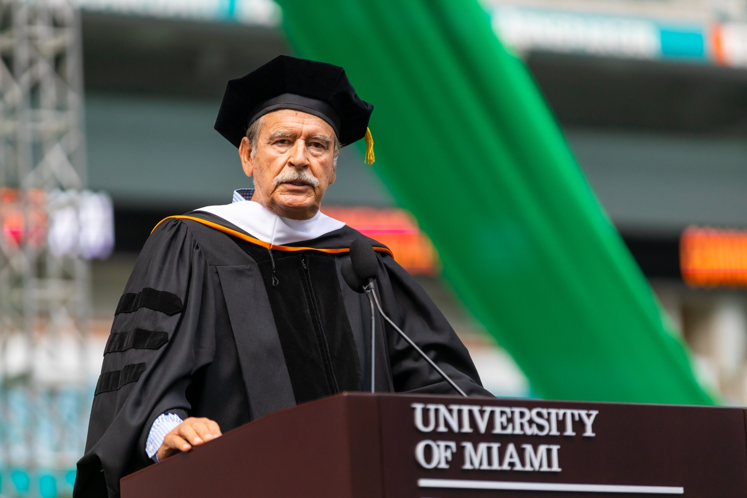 Universidad de Miami da honoris causa a Vicente Fox