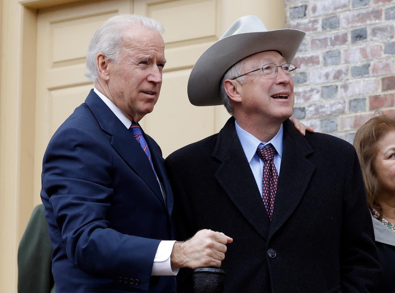 Nomina Biden a Ken Salazar para ser nuevo embajador de EU en México