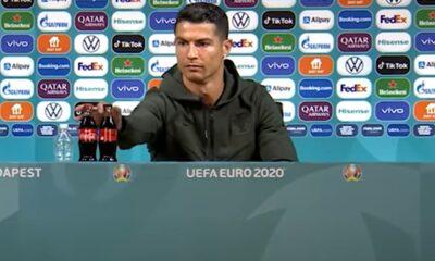 Caen acciones de Coca-Cola tras gesto de Cristiano Ronaldo