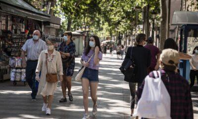 """Alerta España de """"riesgo extremo"""" por aumento de casos Covid-19"""