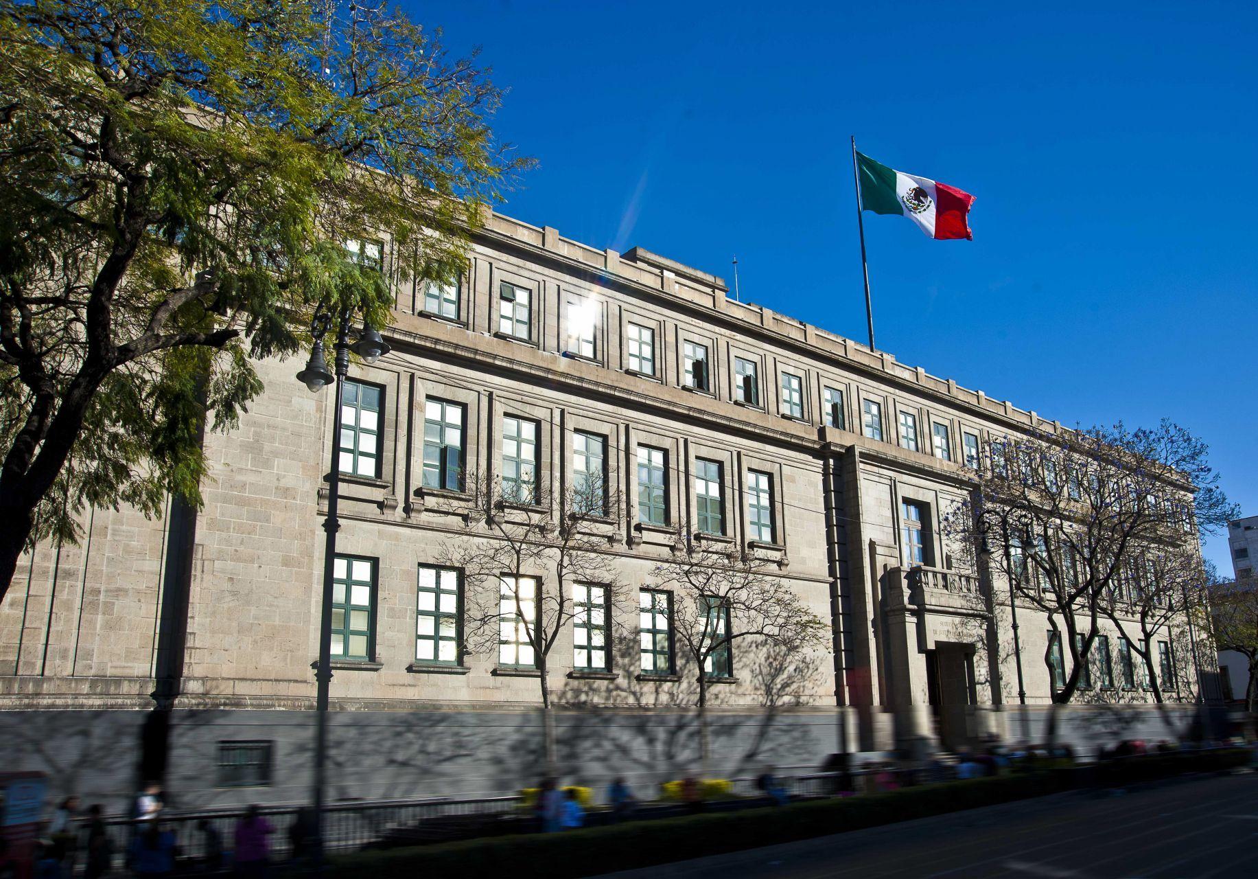 GASTO RÉCORD PESE A PANDEMIA. El Inegi reportó un gasto de 66.4 mil millones de pesos durante el 2020 por parte del Poder Judicial. El Instituto detalló que el gasto se divide entre la Suprema Corte, el Tribunal Electoral y el Consejo de la Judicatura Federal, siendo esta la de mayor gasto.