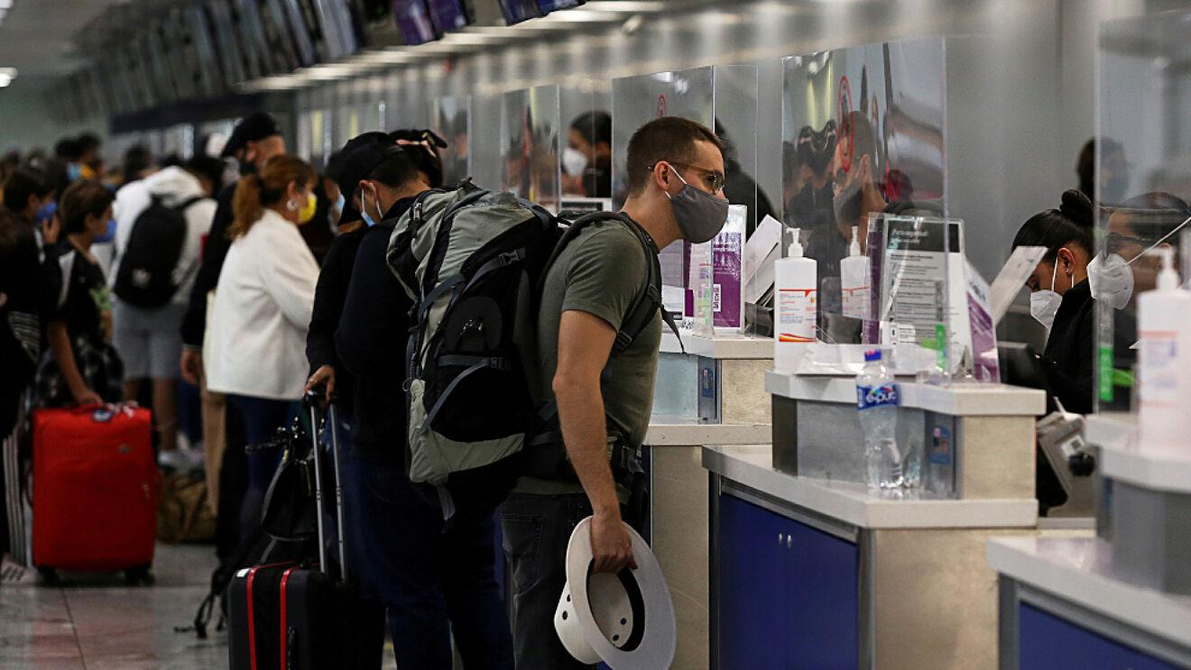 Mantiene EU restricciones para viajes internacionales por variante Delta