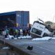 Mueren 10 migrantes en accidente en Texas