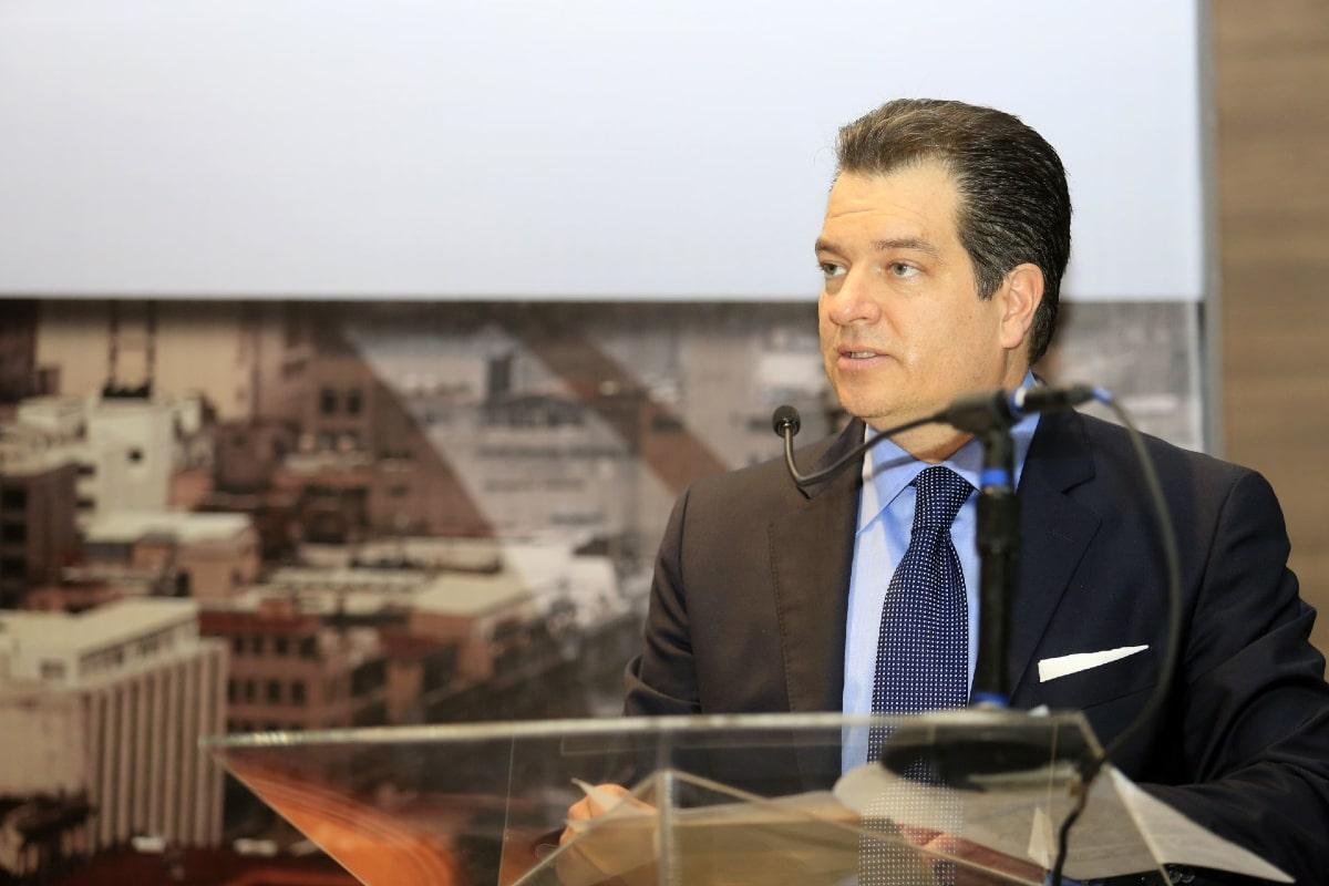 Giran ficha roja contra Alemán Magnani, ex vicepresidente de Interjet