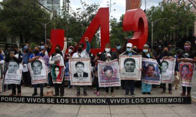 Hallar a normalistas de Ayotzinapa, uno de dos compromisos por cumplir: AMLO