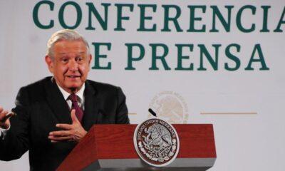 """Desayuna AMLO con el ministro Zaldívar; hablarán de """"varios temas"""""""