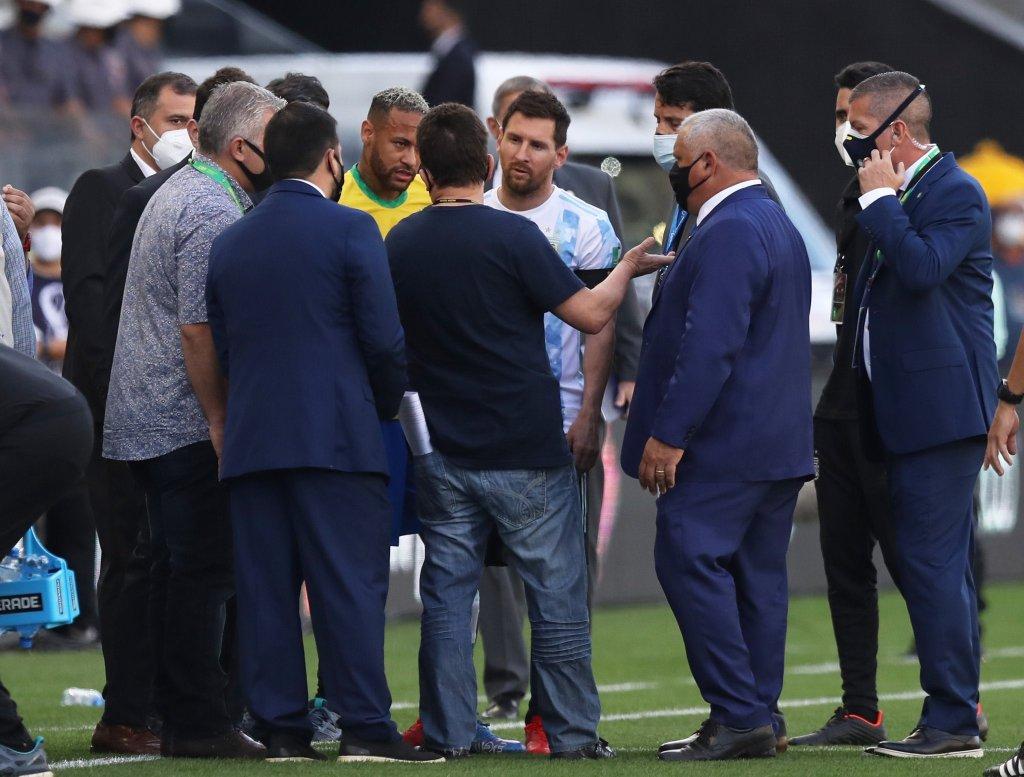 Suspenden partido entre Brasil y Argentina a 6 minutos de iniciado