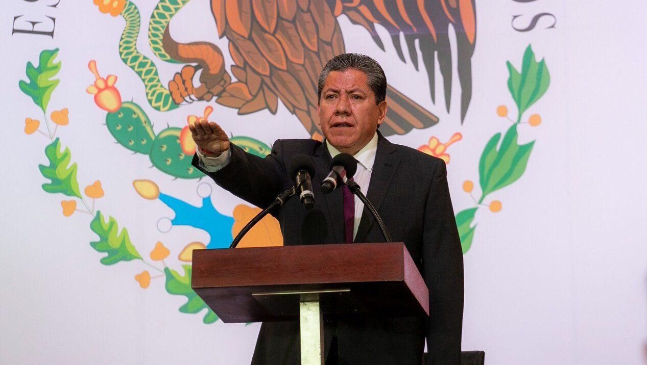Recibimos Zacatecas en quiebra, dice David Monreal en toma de protesta
