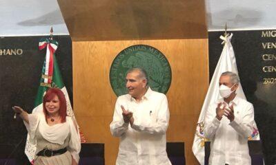 """Rinde protesta Layda Sansores en Campeche; """"se acabó la robadera"""", asegura"""