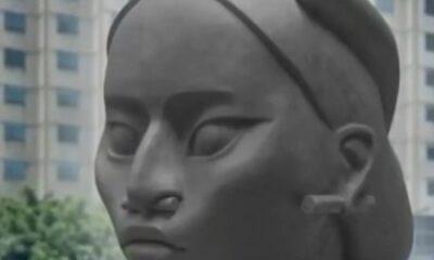 Difunde Reyes imágenes de 'Tlalli', la escultura que sustituirá la de Colón