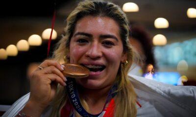"""Es un """"cheque simbólico"""", responde el INDE de BC tras denuncia de Aremi Fuentes"""