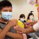 Niños no son un grupo prioritario en la vacunación contra el Covid-19, dice la OPS
