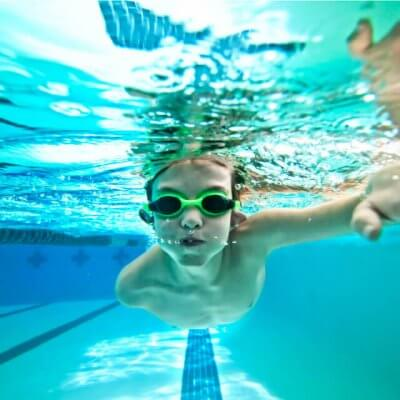 goodclub-natacion-niño