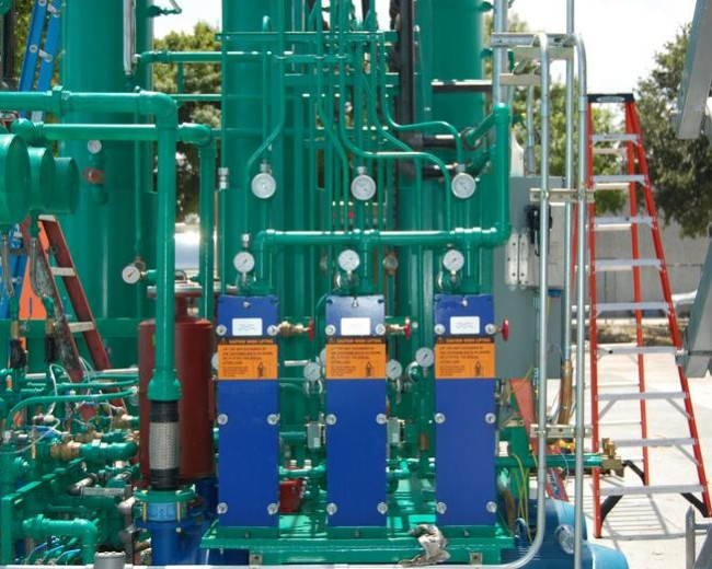 Heat exchangers on a methanol recovery system
