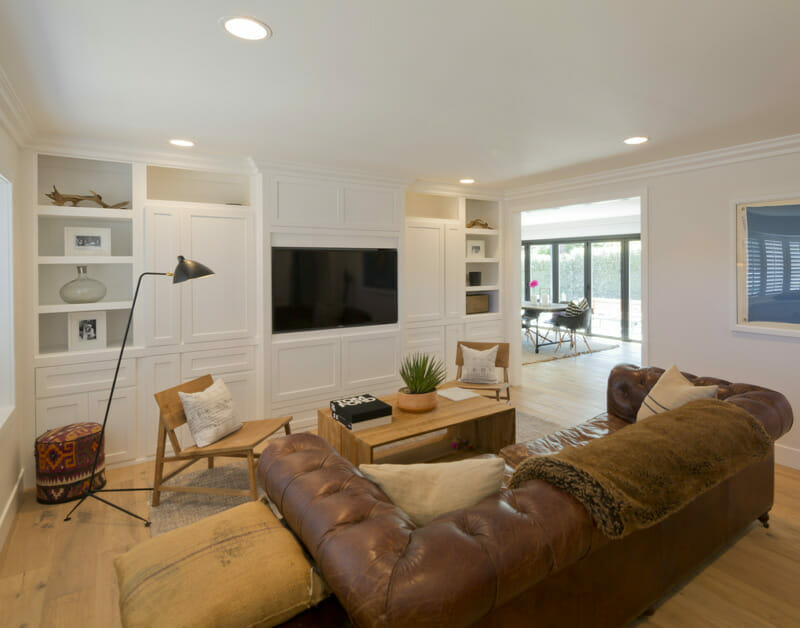 living room addition contractors