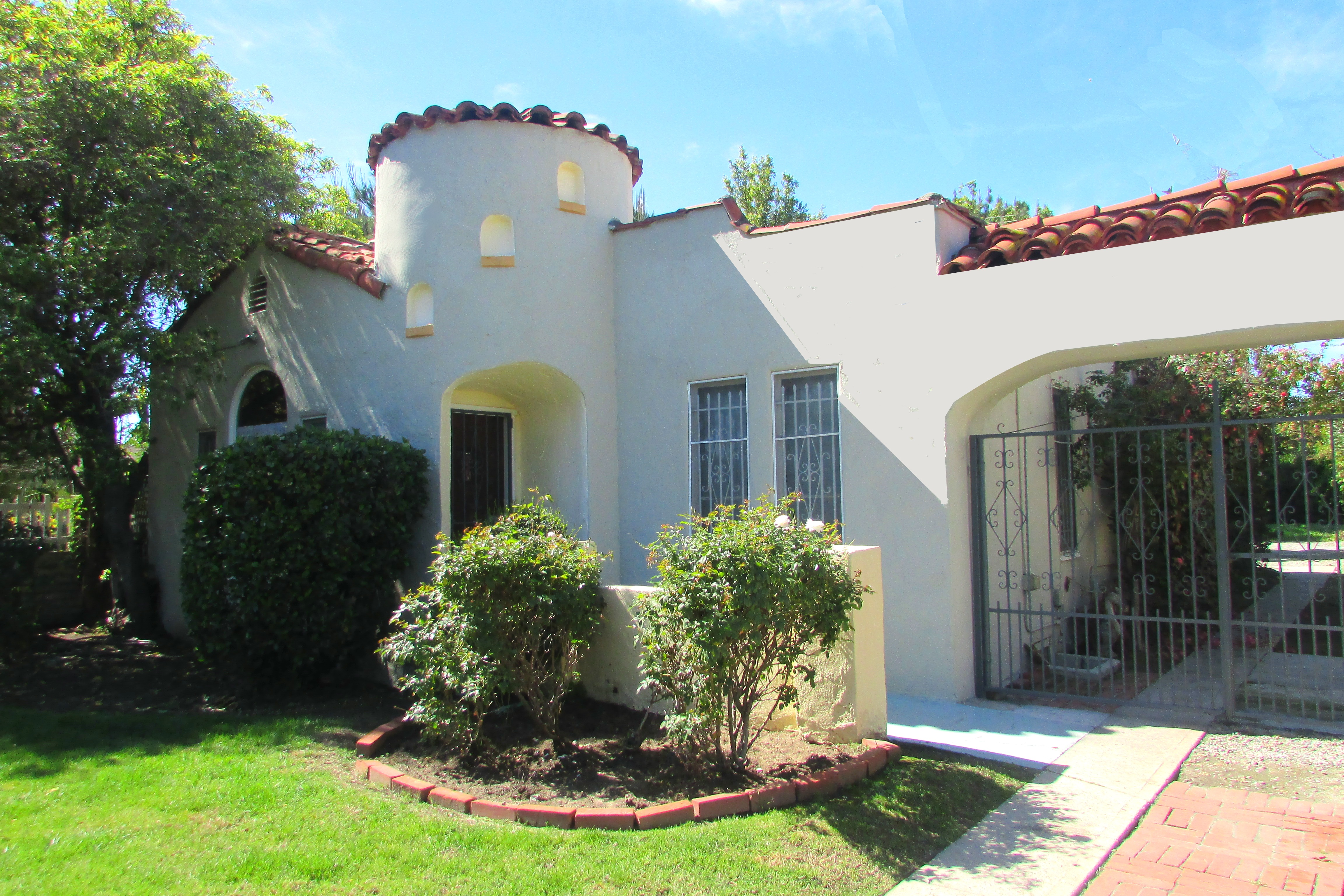 5759 Fulcher Ave., North Hollywood, CA 91601