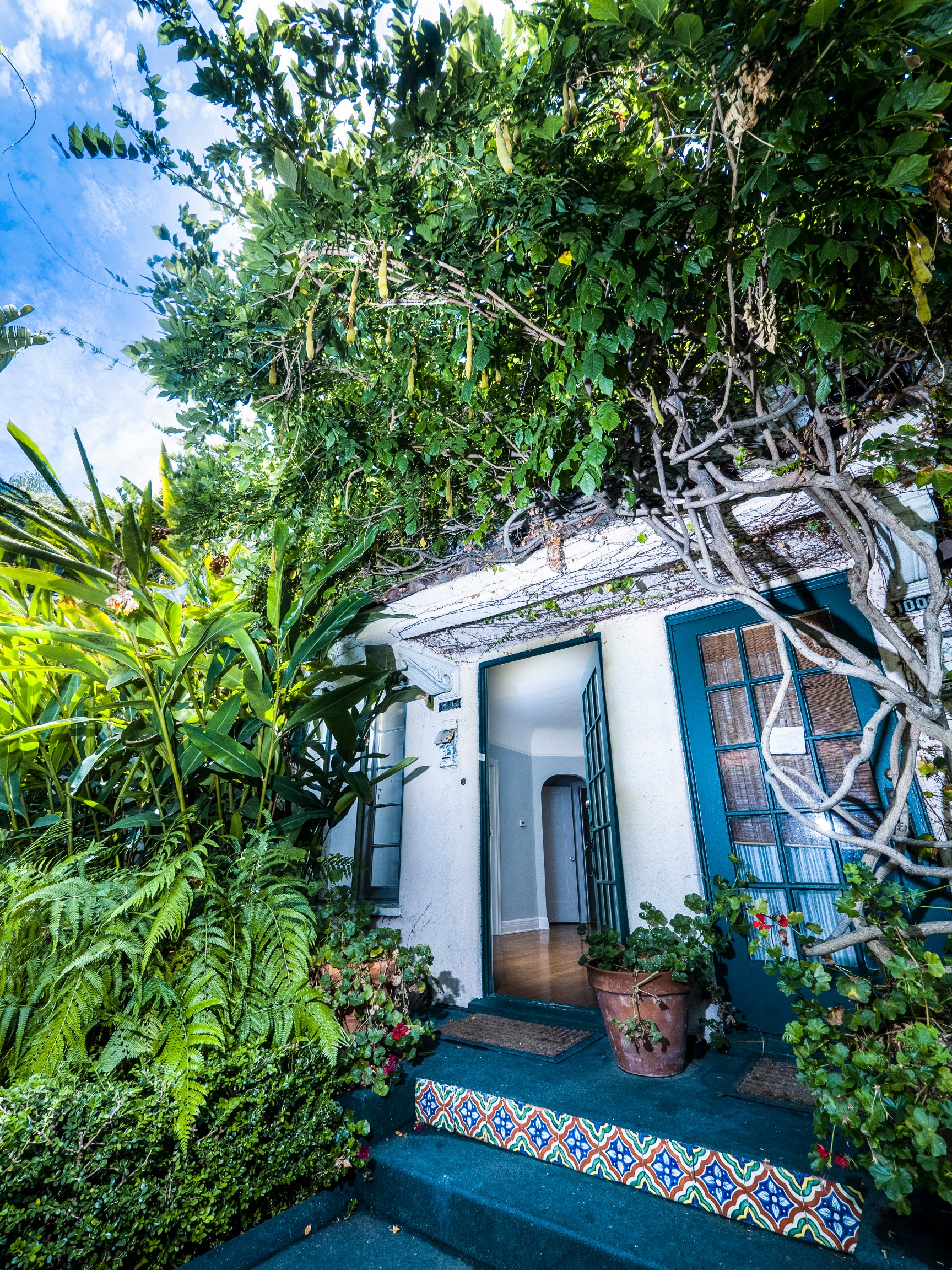 1002-1012½ N. Sweetzer Ave., West Hollywood, CA 90069