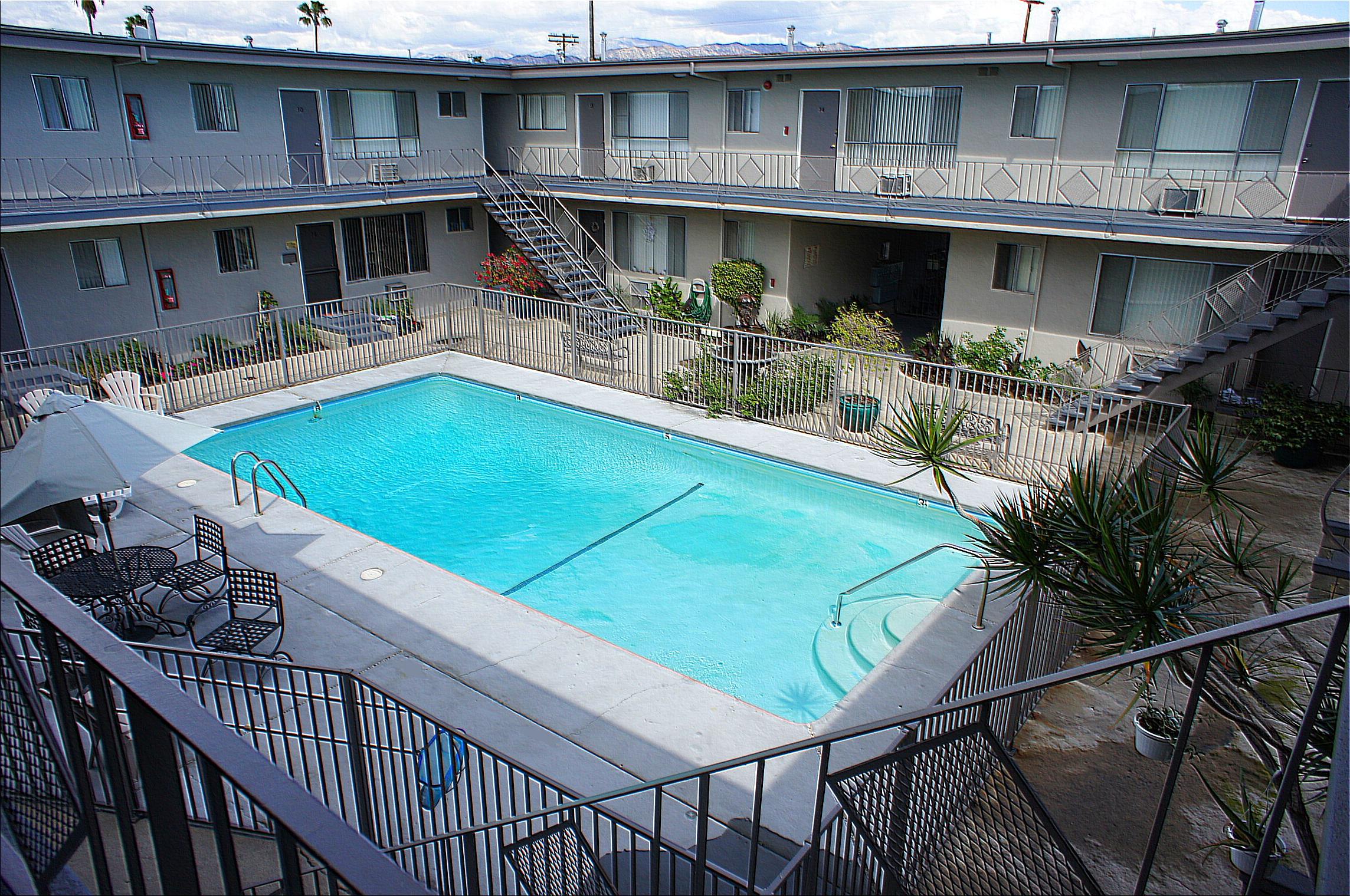 5715 Vineland Ave., North Hollywood, CA 91601