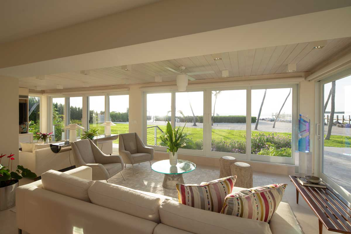 Oceanfront hideaway by Kevin Gray Design