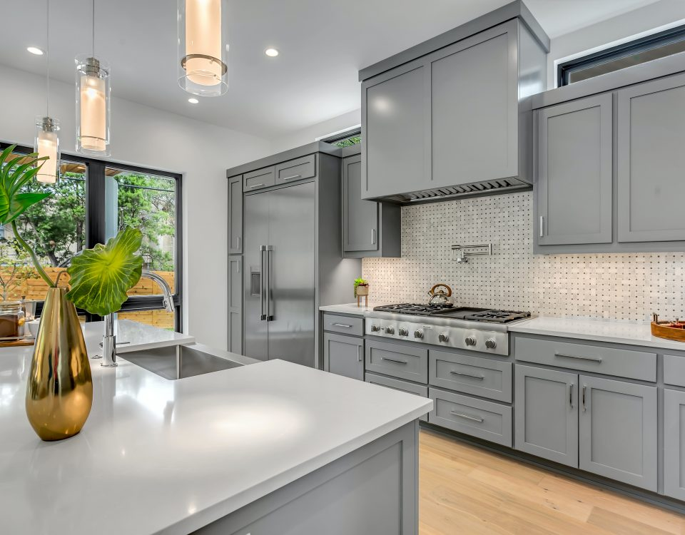 Professionally cleaned kitchen cabinets and countertops
