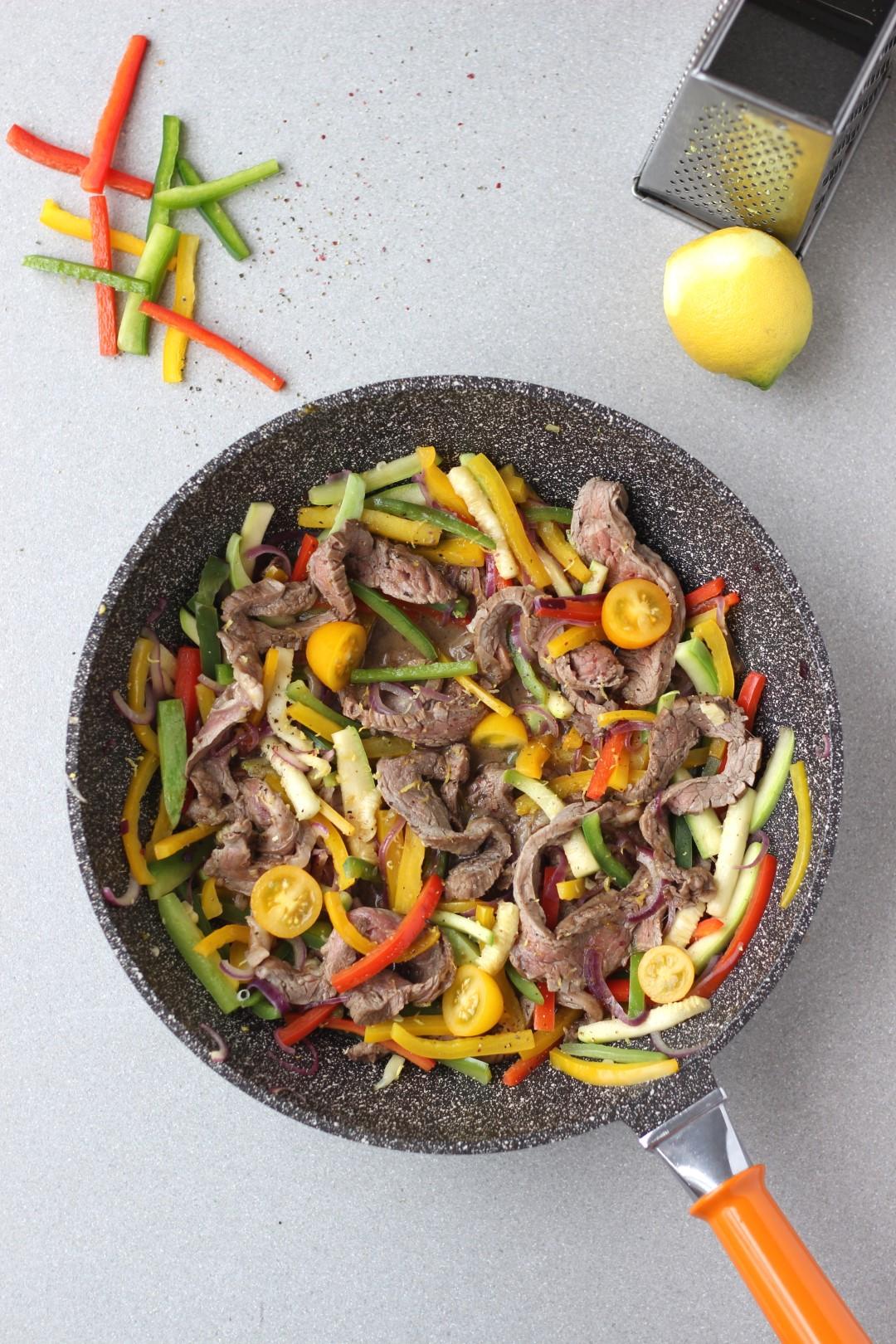 wok de vegetales y carne, recetas essen, recetas de cocina, wok, morrones, cocina saludable, salud.