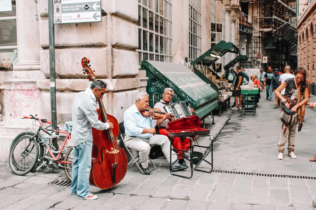 Génova, Italia, La Liguria, música callejera, viajar a Génova, viajar por europa, blog