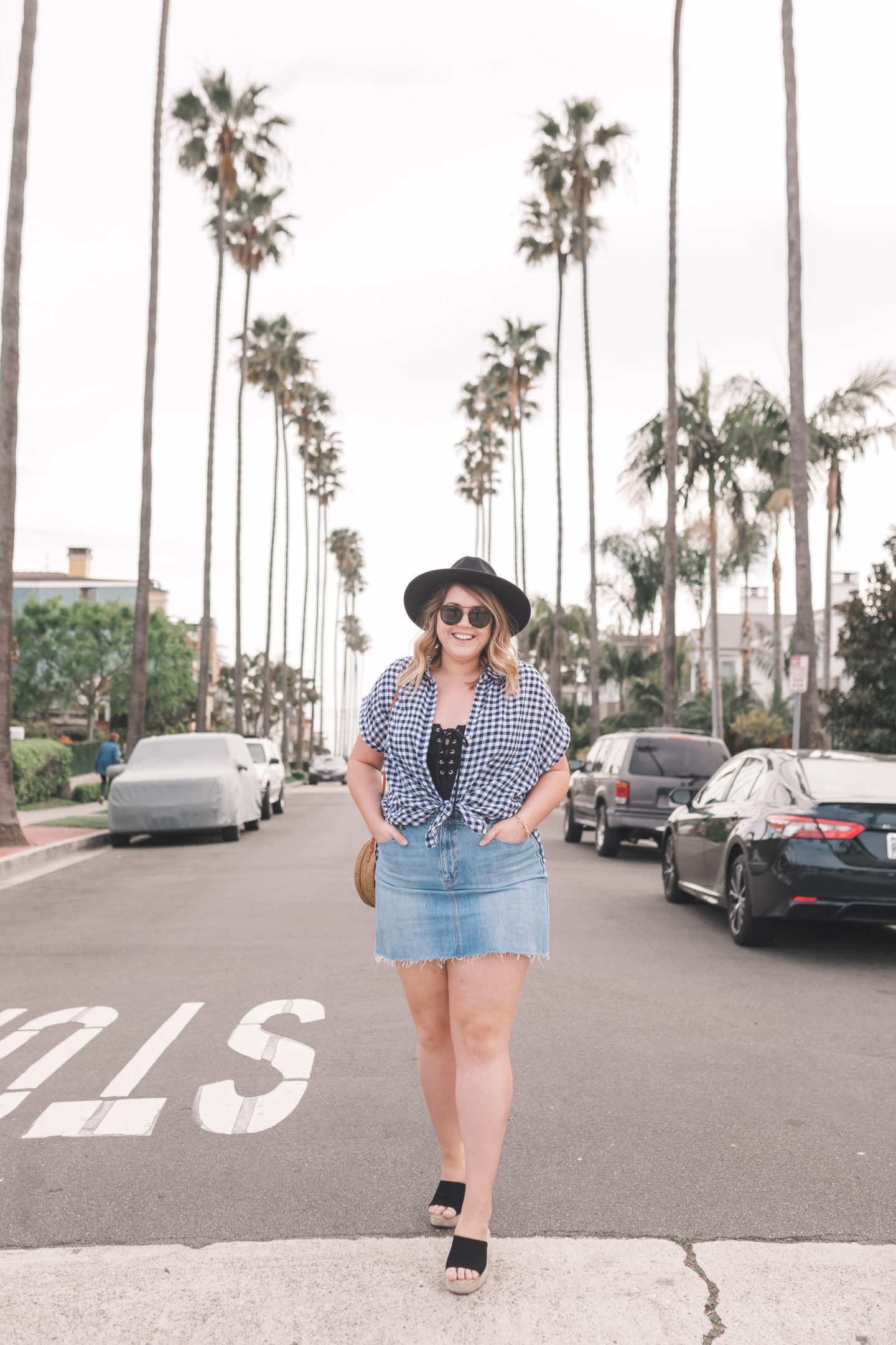 shades of blue - a spring outfit // wanderabode.com #oldnavystyle