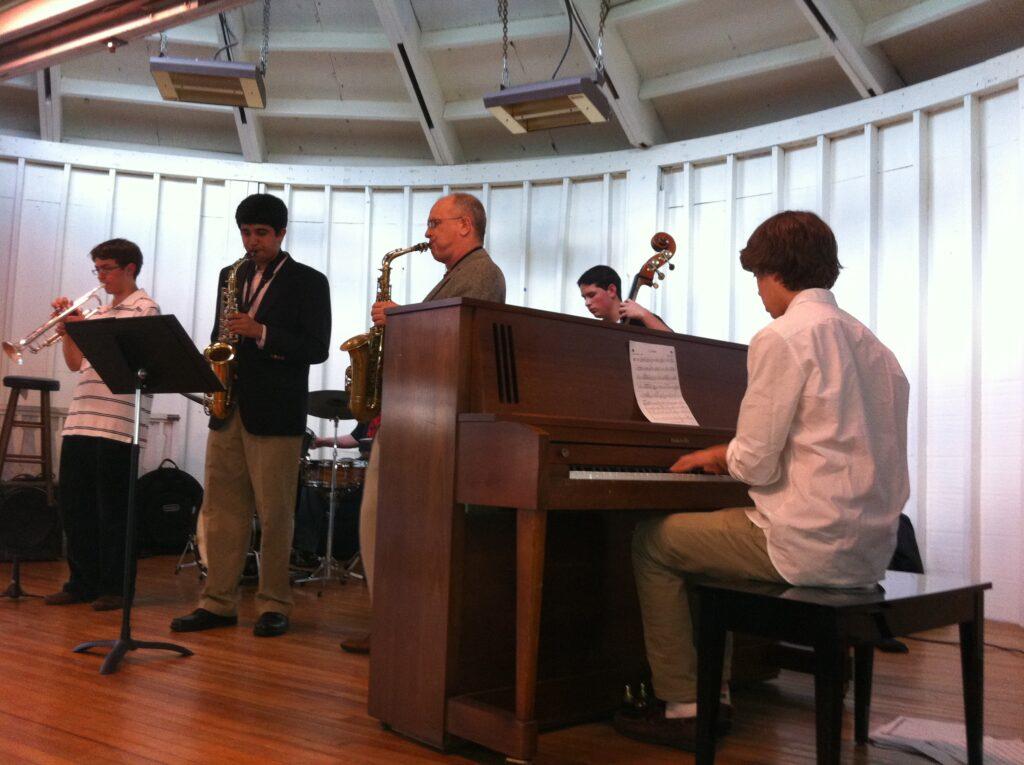 jazz combo performing