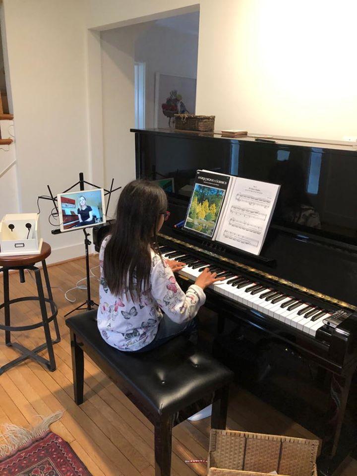 online piano lesson