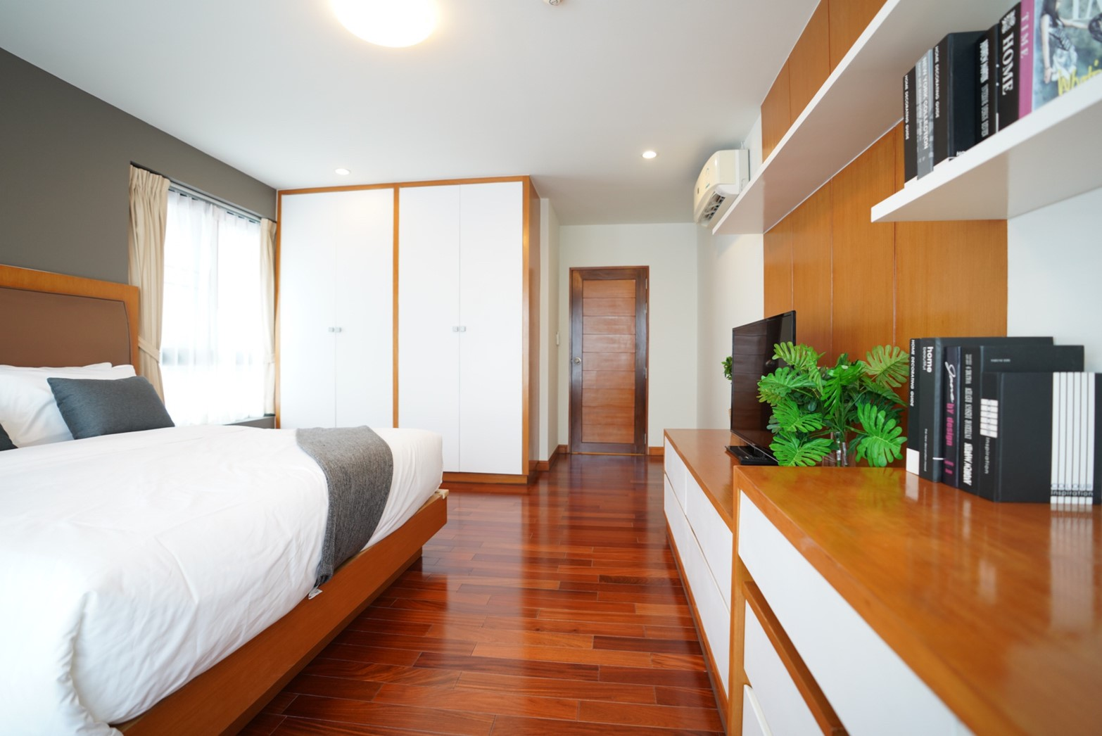 Sunshine Hotel & Service Apartment Sriracha
