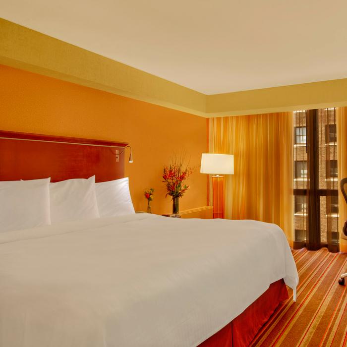 Oxford Capital Essex Inn Chicago bedroom