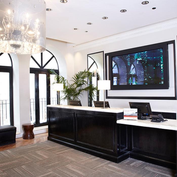 Oxford Capital Hotel Cass lobby