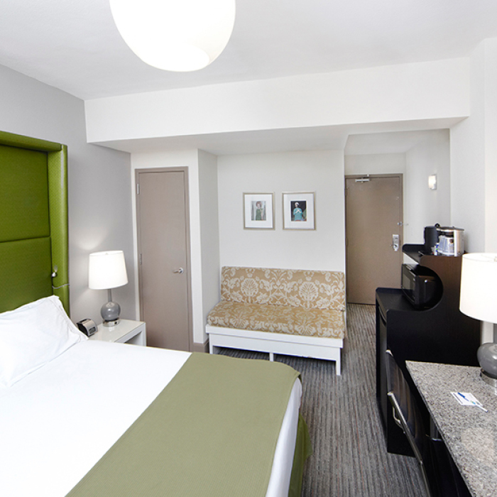 Oxford Capital Hotel Cass bedroom
