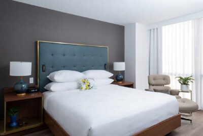 Le Meridien Essex Chicago Room