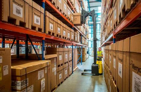 Combilift-Combi-WR-stacking-a-pallet-in-a-narrow-aisle