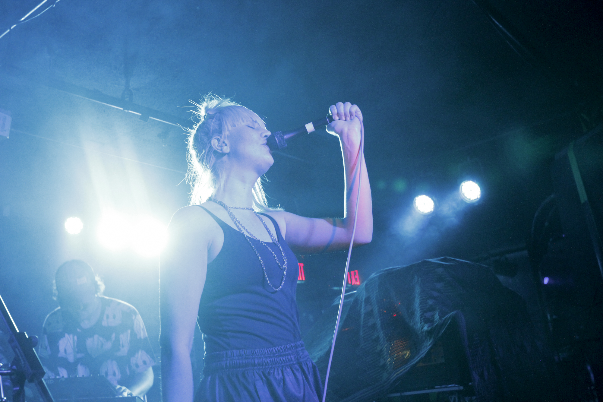 EMA plays at Brooklyn Bazaar in Greenpoint, Brooklyn, New York on Nov. 10, 2017. (© Michael Katzif - Do not use or republish without prior consent.)