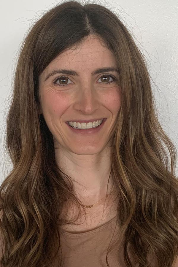 Aviva Rostas portrait photo
