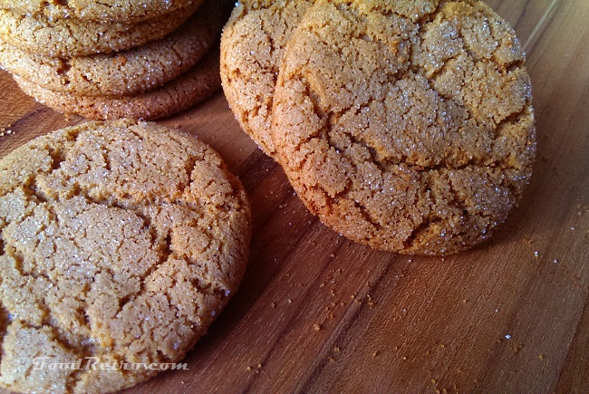 Gingersnaps as Crust for Cheesecake