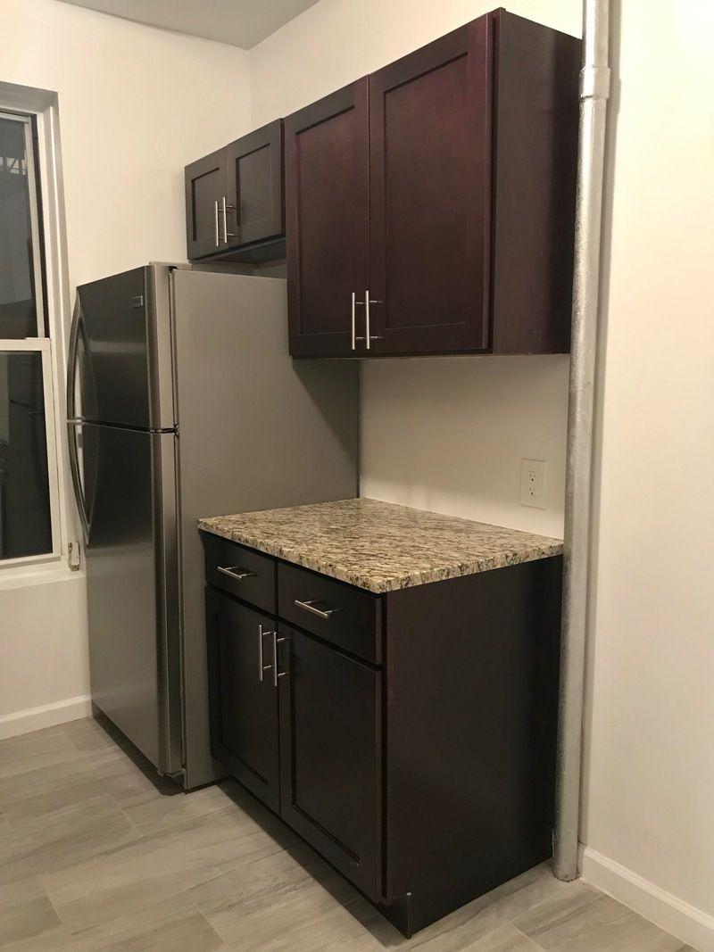 3 Bedrooms Bedrooms, ,1 BathroomBathrooms,Apartment,For Rent,1013