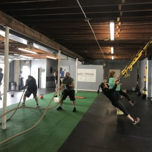 people training with resistance bands