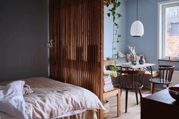 A+Tiny+But+Stylish+Blue+Studio+Apartment+-+The+Nordroom