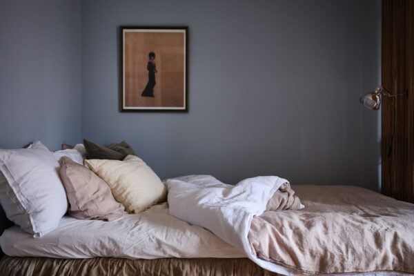 A+Tiny+But+Stylish+Blue+Studio+Apartmom