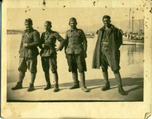 Επιστροφή απο το Αλβανικό μέτωπο,δεύτερος απο αριστερά
