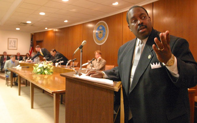 Lawrence Township reorganization meeting Thursday, Jan. 1, 2004. Newly sworn in Mayor Mark Holmes delivers his first speech as mayor.